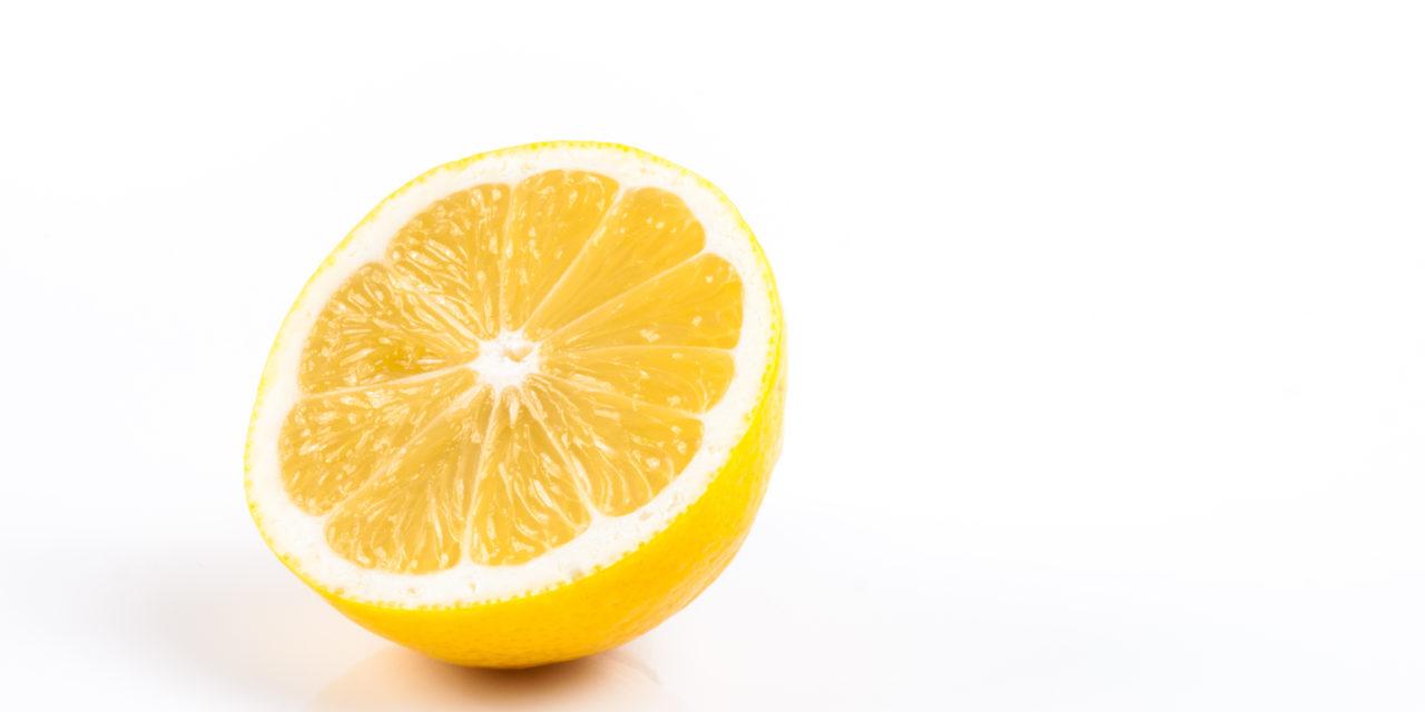 """<span class=""""entry-title-primary"""">BIOPLASTICA DA LIMONI E CO2, PER DIRE ADDIO AL BISFENOLO A</span> <span class=""""entry-subtitle"""">Gli scienziati dell'ICIQ hanno sviluppato un metodo di produzione dei policarbonati che impiega limonene, l'idrocarburo contenuto nella buccia degli agrumi, e anidride carbonica</span>"""