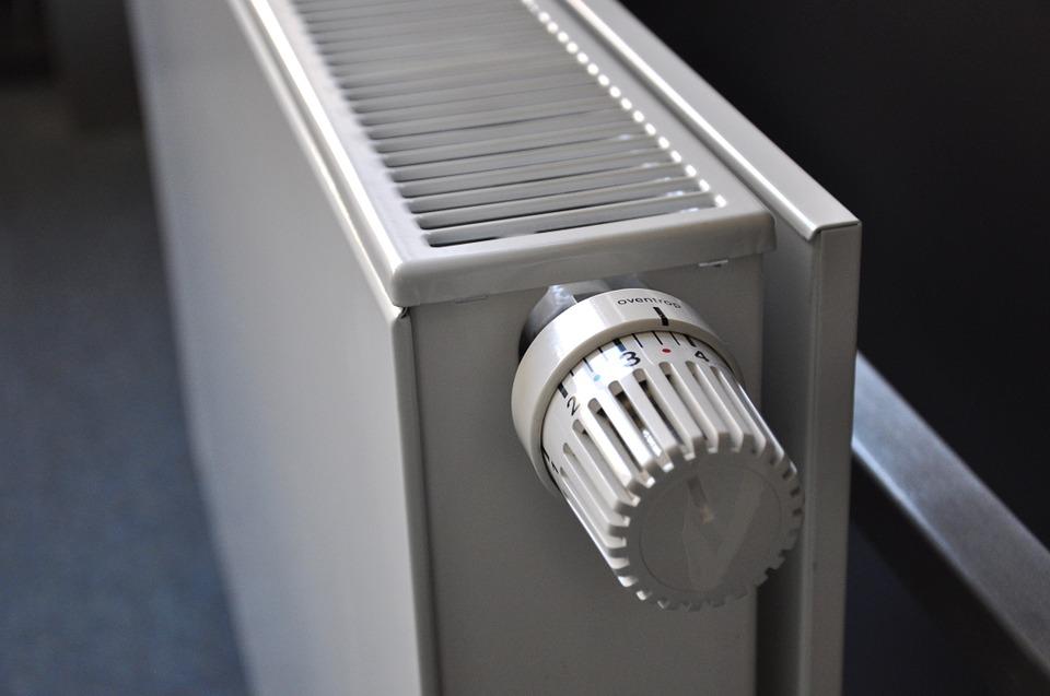 """<span class=""""entry-title-primary"""">MEGLIO UN TERMOSIFONE IN GHISA, ACCIAIO O ALLUMINIO?</span> <span class=""""entry-subtitle"""">La scelta del termosifone giusto consente non solo di ottimizzare l'impiego delle risorse energetiche, ma anche di ridurre i consumi</span>"""